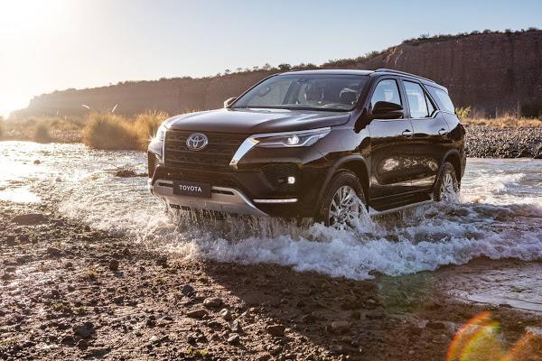 Nova Toyota Hilux SW4 2021: fotos, preços e detalhes